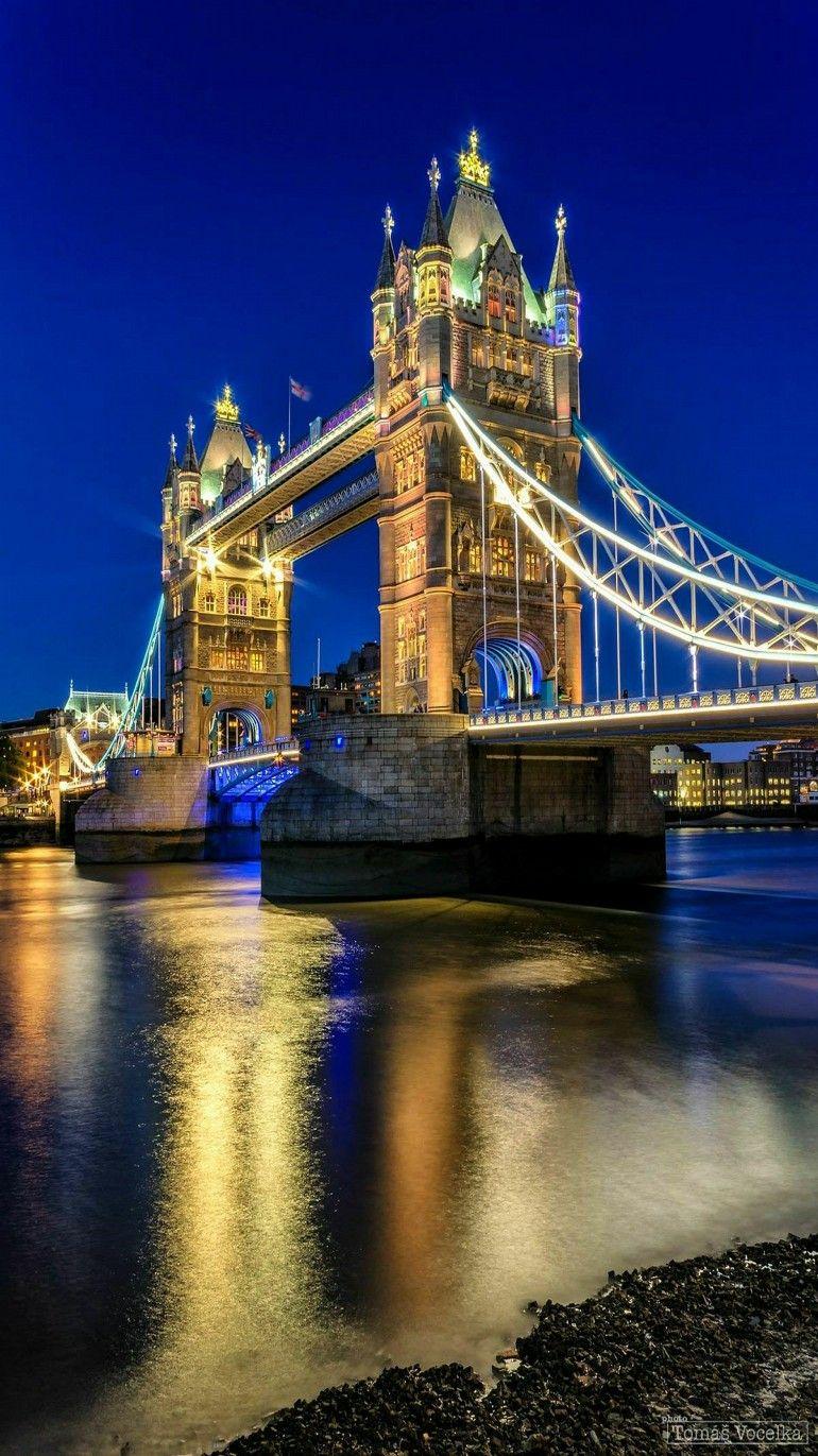 reflection tower bridge in london england photographer tomas vocelka bridges pinterest. Black Bedroom Furniture Sets. Home Design Ideas