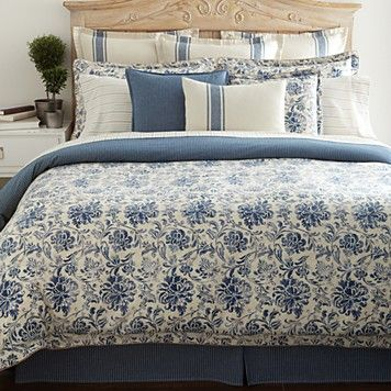 Here S A Picture Of What The Ralph Lauren Bedding Looks Like On A Bed And Look Anne They Ve P Ralph Lauren Comforter Set Ralph Lauren Bedroom Luxury Bedding