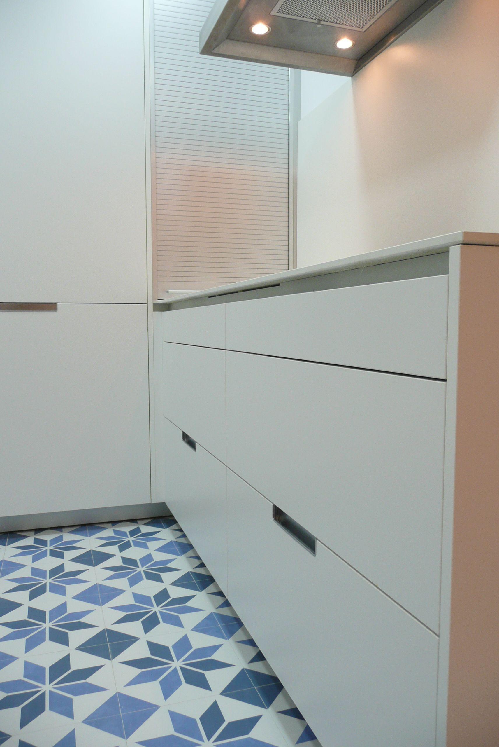 Cocina santos cajoneras de 90cm con 3 gavetas serie minos for Cajoneras de cocina