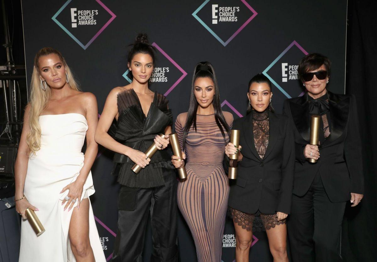 Kim Kourtney Khloe Kendall Kris Kardashian Jenner Celebrities Kardashian