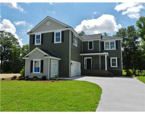 411 Waverly Ln. Open Longborn floor plan with 5 BR 2.5 BA. Move in Ready!