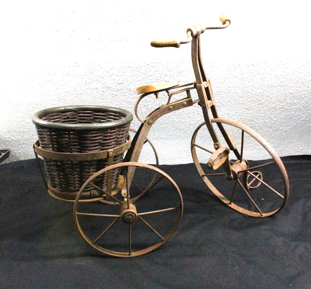 ANTIQUE TRICYCLE FLOWER PLANTER WITH WORKING WHEELS/STEERING/PEDALS