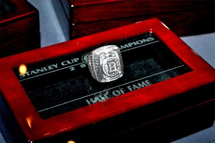 Bruins 2011 Stanley Cup Championship Ring Nhl Hockey Hall Of Fame Hockey Hall Of Fame Nhl Hockey Bruins