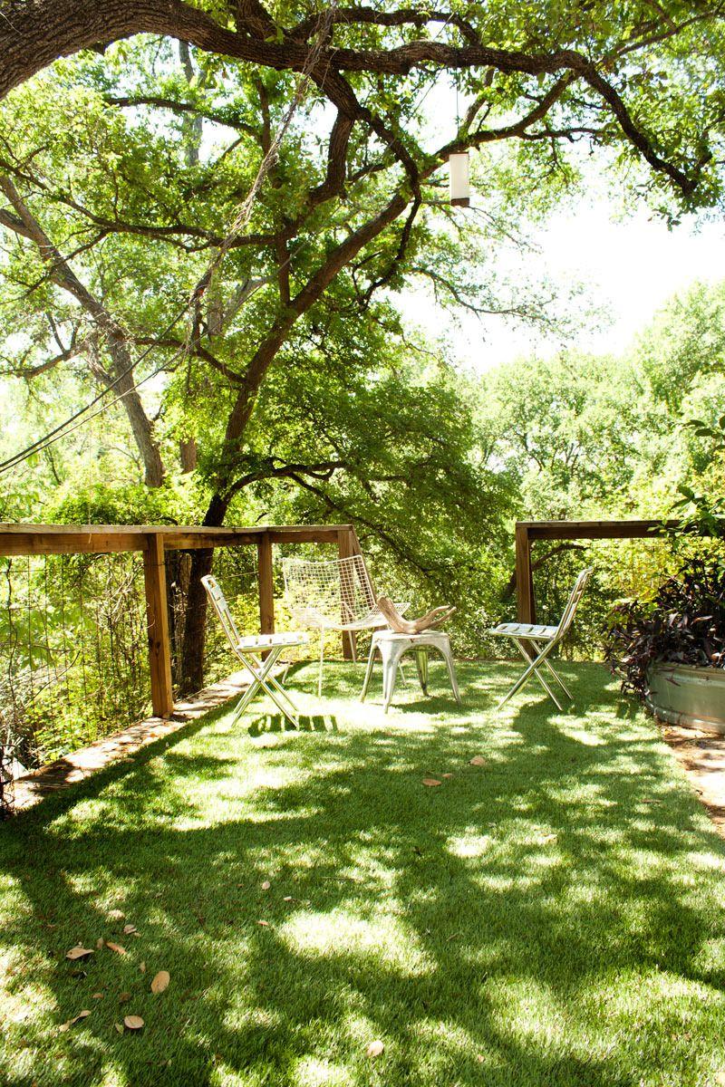 Eric's Stylish, Sunshine-Filled House - Eric's Stylish, Sunshine-Filled House — House Tour Fake Lawn