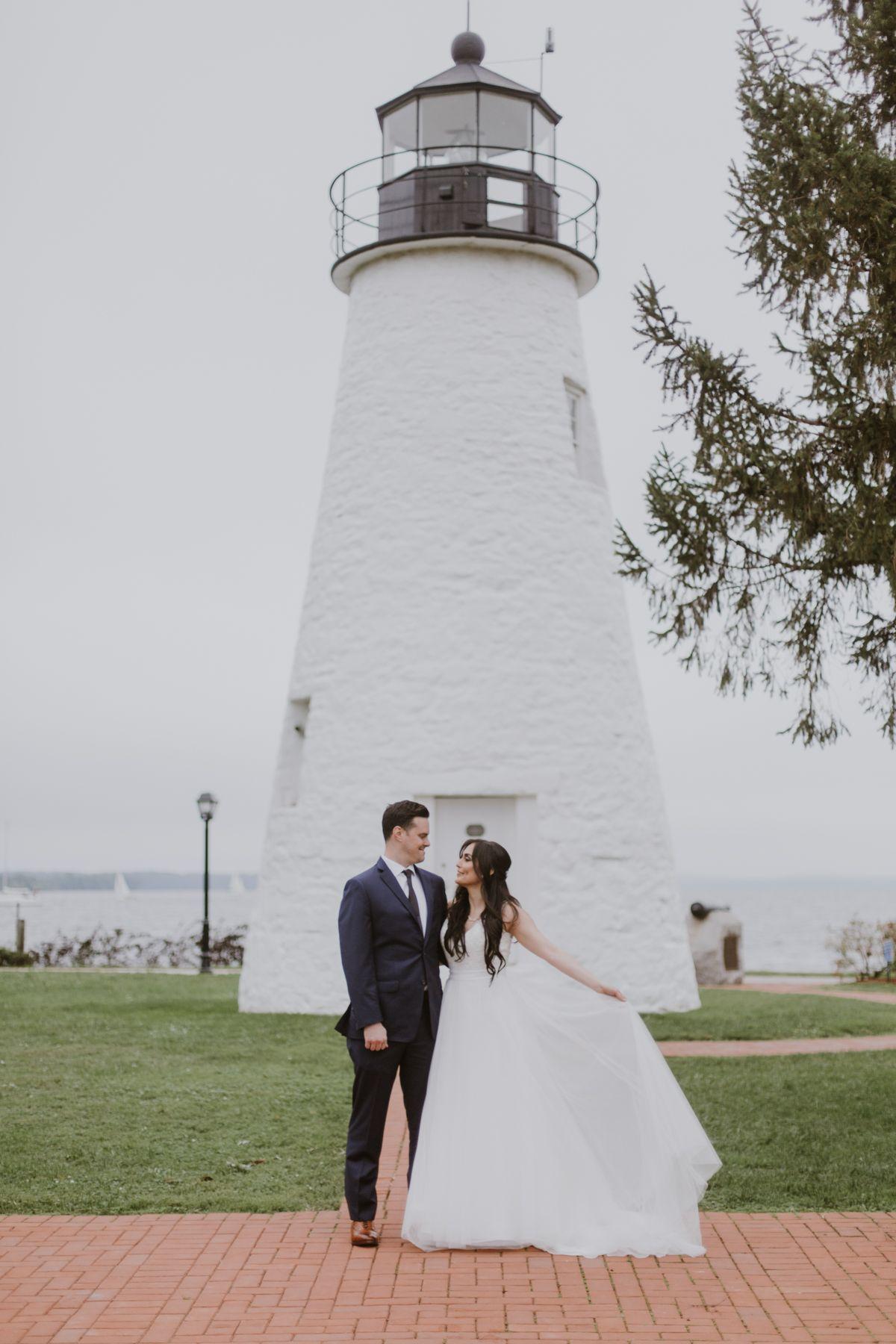 Mirna And Seth Vandiver Inn Havre De Grace Wedding Photos Faro