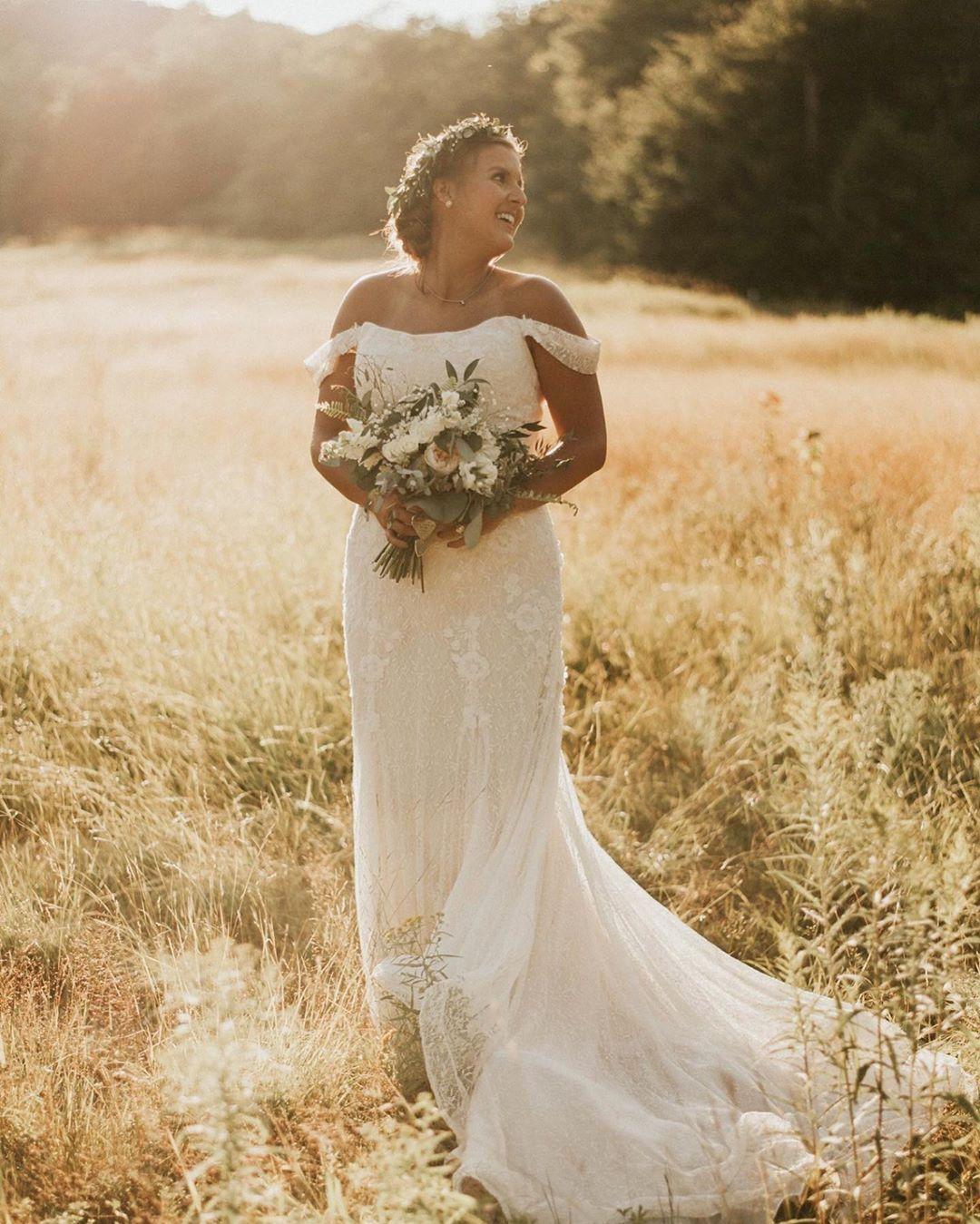 The Dreamiest Bohemian Wedding Photo From This Melissa Sweet Bride Davids Bridal Wedding Dresses Trumpet Wedding Dress Sweet Wedding Dresses [ 1349 x 1080 Pixel ]