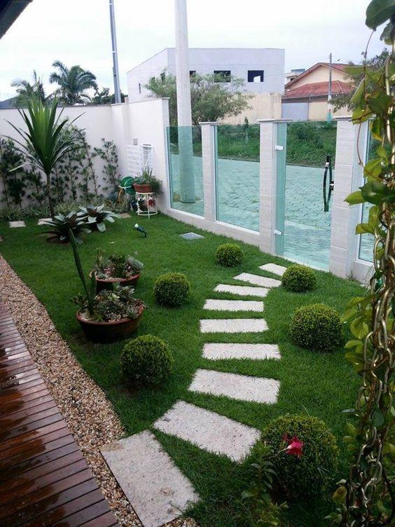 Modelos de jardins externos 90 modelos incr veis para voc se inspirar jardin quintal - Piedras para jardin baratas ...