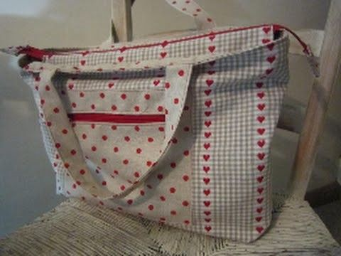 A Zippered Lined Tote Bag For You To Sew By Debbie Shore Zippered Tote Bag Tutorial Zipper Tote Bag Tote Bag Tutorial