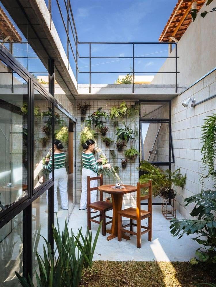Premio de arquitectura casa en san pablo el patio for Decoracion de casas brasilenas