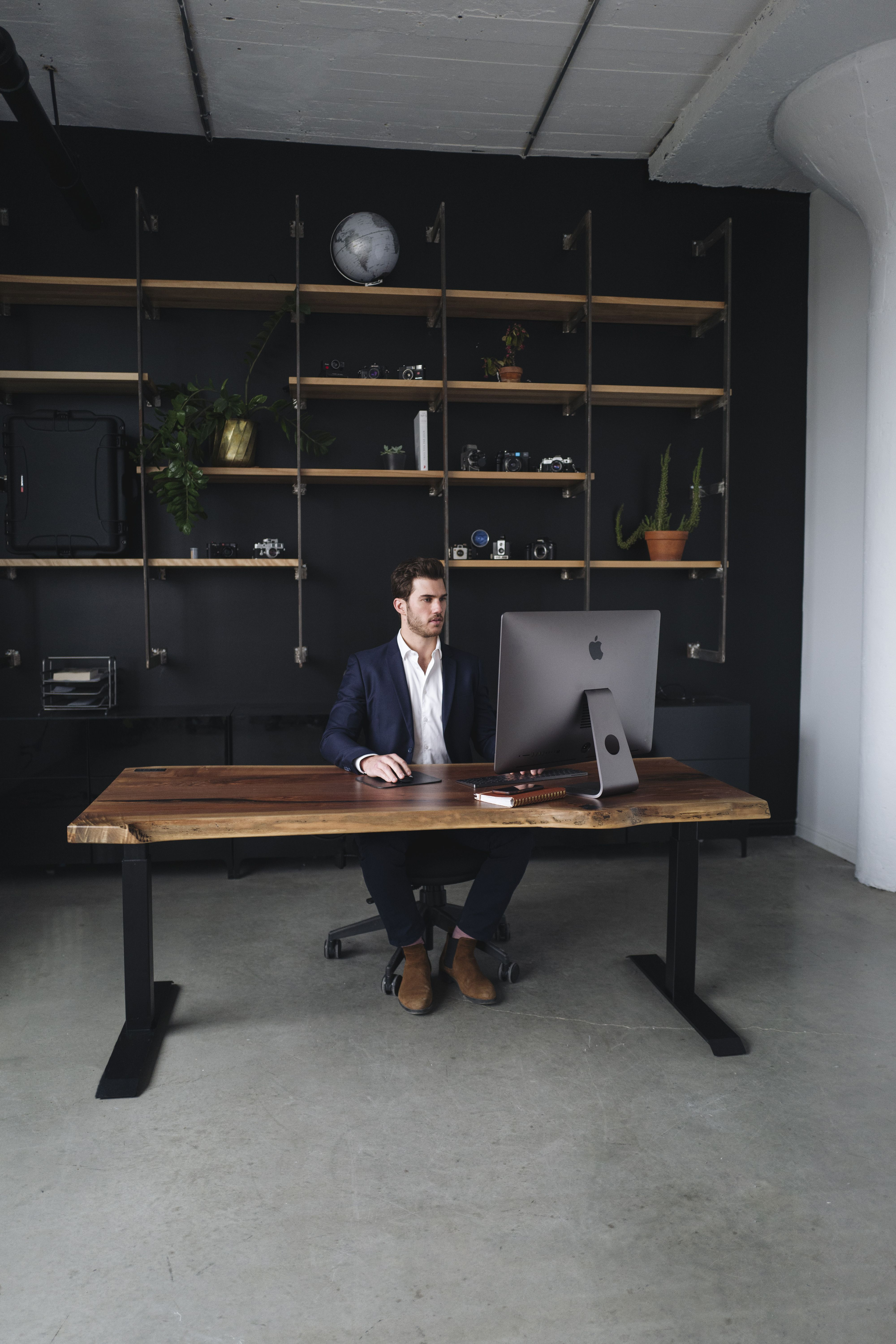 The Alive Desk In 2020 Masculine Home Offices Cheap Office