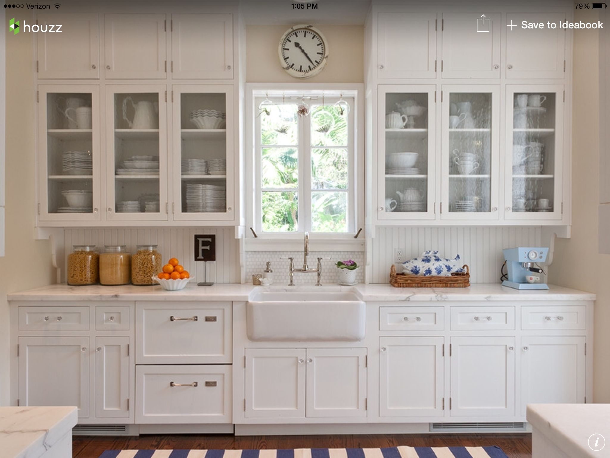 Farmhouse sink complete with white Glass