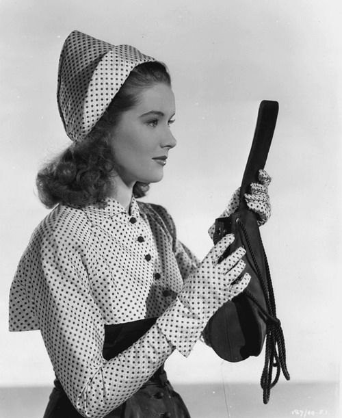 British actress and singer Sally Ann Howes sporting a delightful spotted 1940s ensemble