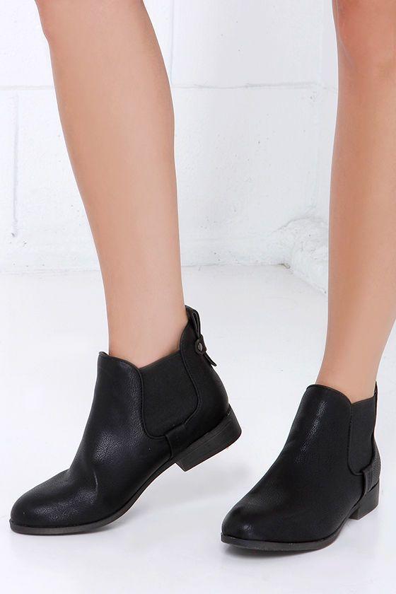 Madden Girl Draaft Black Chelsea Boots