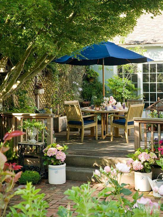 Small Simple Outdoor Living Spaces Large patio umbrellas