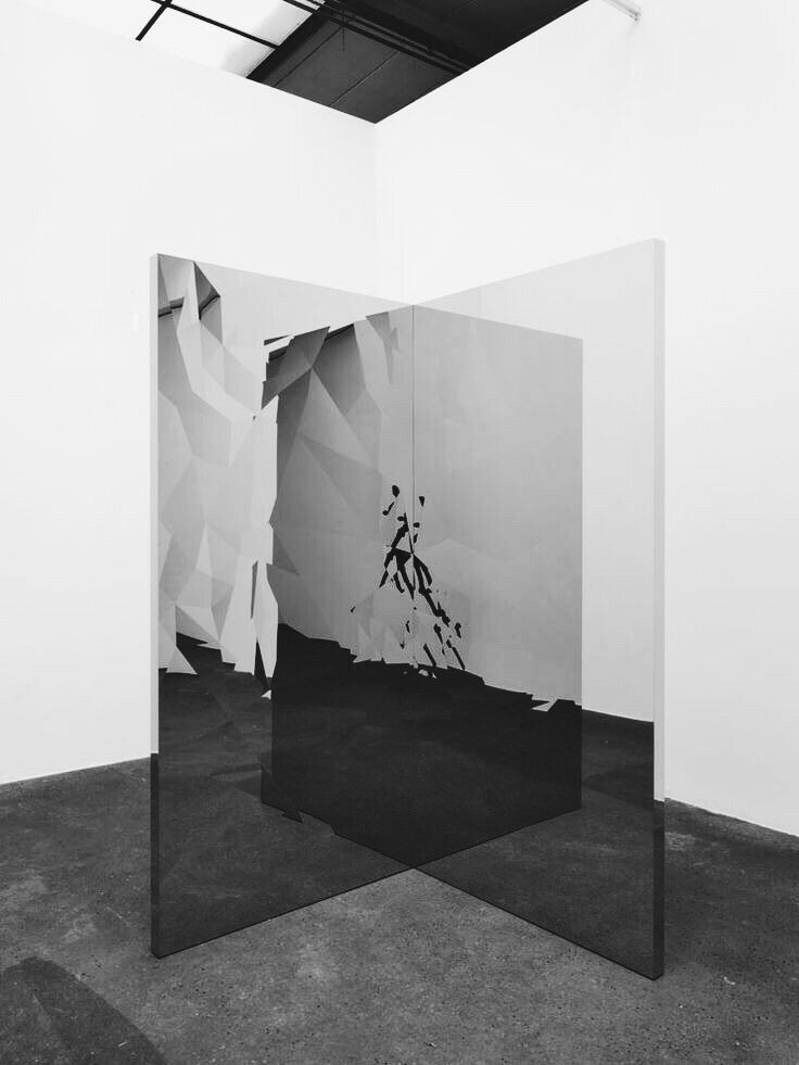 Jeppe hein framented mirror 3d x art and objects for Mirror installation