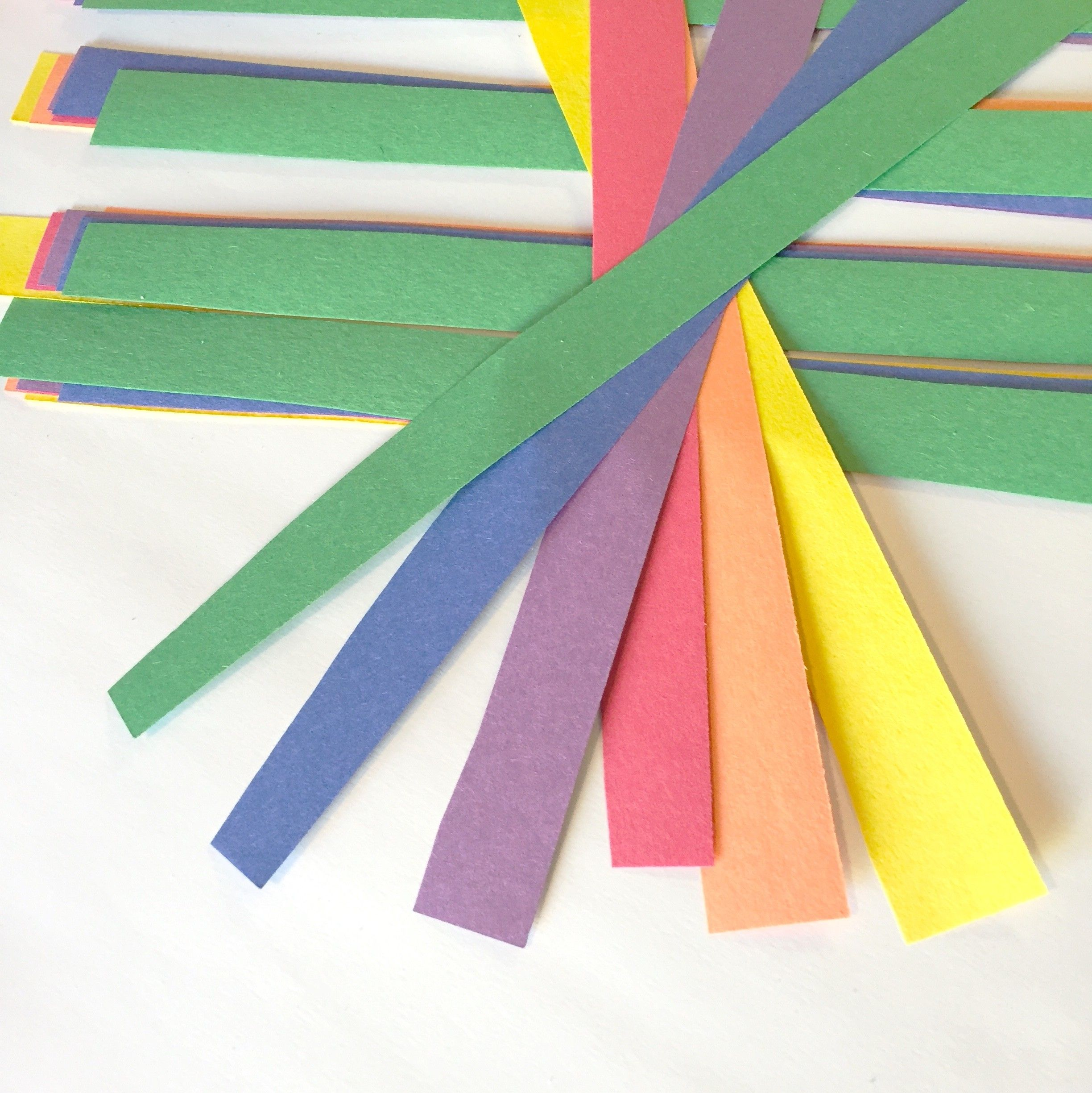 Rainbow Paper Shamrocks ~ St Patrick\'s Day Crafts for Kids ...