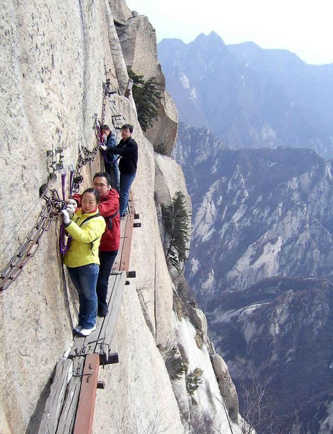 Çin'deki Huashan Dağı Ölüm Geçidi