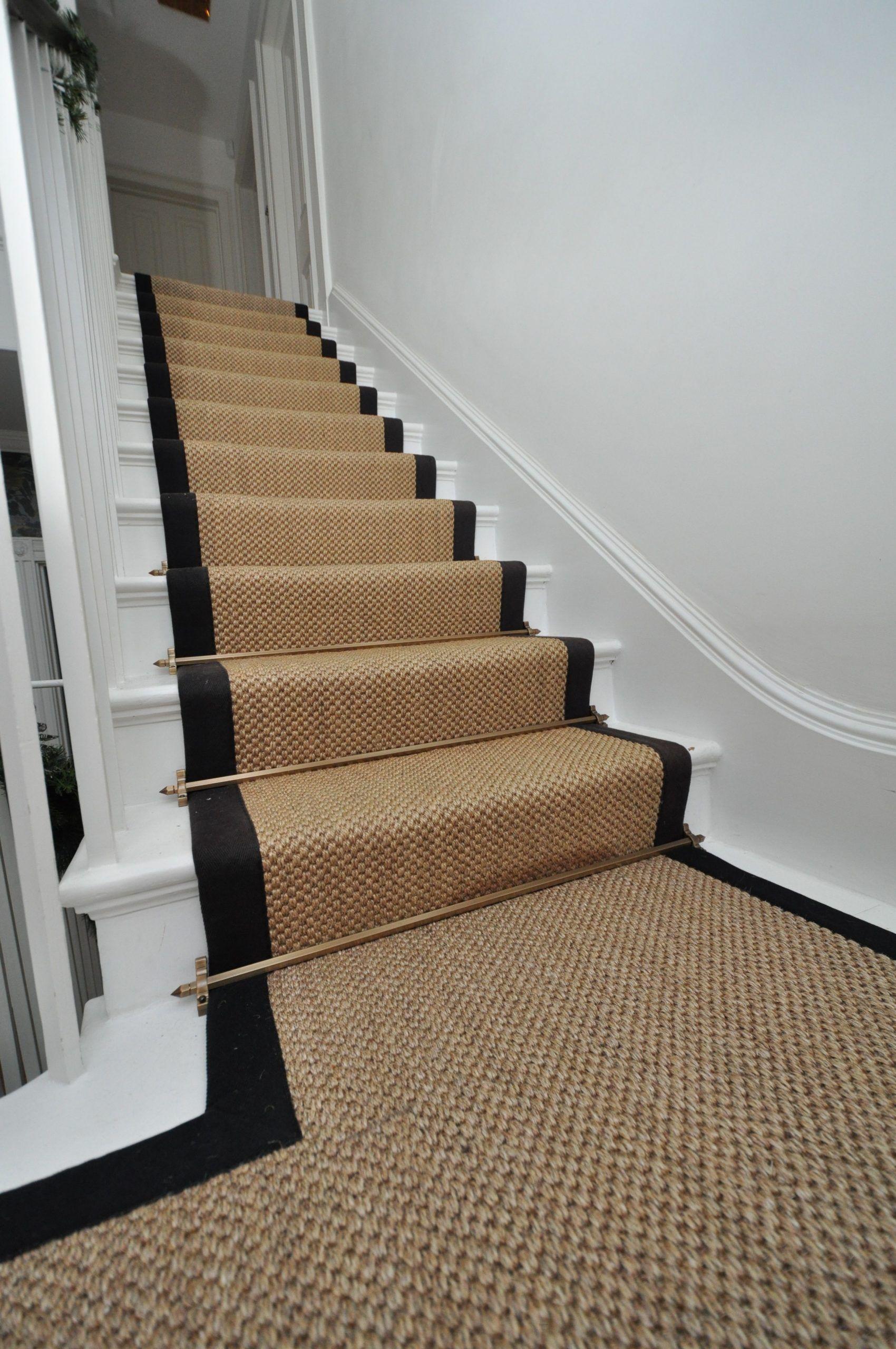 Pin By Angela Barnes On Tiny Spaces In 2020 Sisal Stair Runner Stair Runner Carpet Stairs