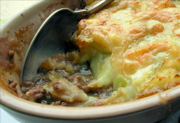 Traditional English Cottage Pie With Cheese And Leek Topping Recipe Recipes Cottage Pie Food