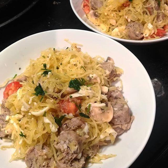 Tonight's menu: spaghetti squash tossed with butter, garlic, organic mushrooms and tomato, mozza, bruschetta seasoning, and the delicious, @pineviewfarms pork chorizo sausage.  The chorizo is made with pastured pork, and is gluten and nitrate free!  #wholefood #ancestraldiet #ancestraleating #glutenfree #spaghettisquash #simplemeals #simplefood #antiinflammatory #antiinflammatorydiet #nograins #nosugar #noprocessedfood #healthyfats #healthyfood #localmeat #chorizo #pasta #pasturedpork #paleo #ke