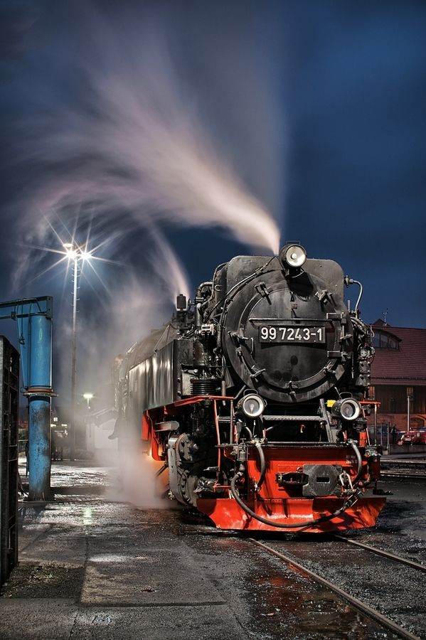 In The Night By Jorn Hoffmann 500px Best Background Images Train Background Images Hd train background for editing
