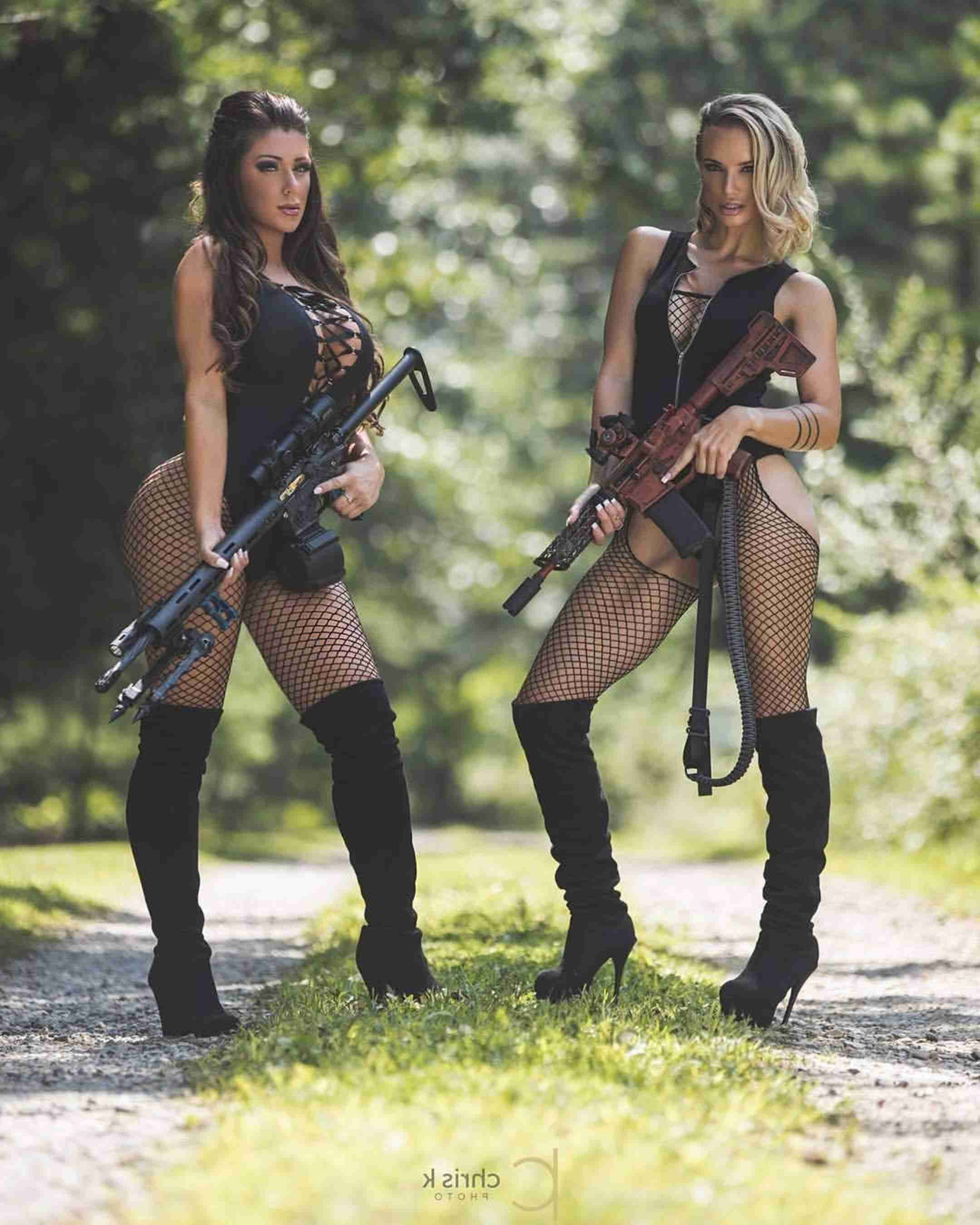 Pin By Gb Stanford On Misc In 2020 Military Girl Girl Guns