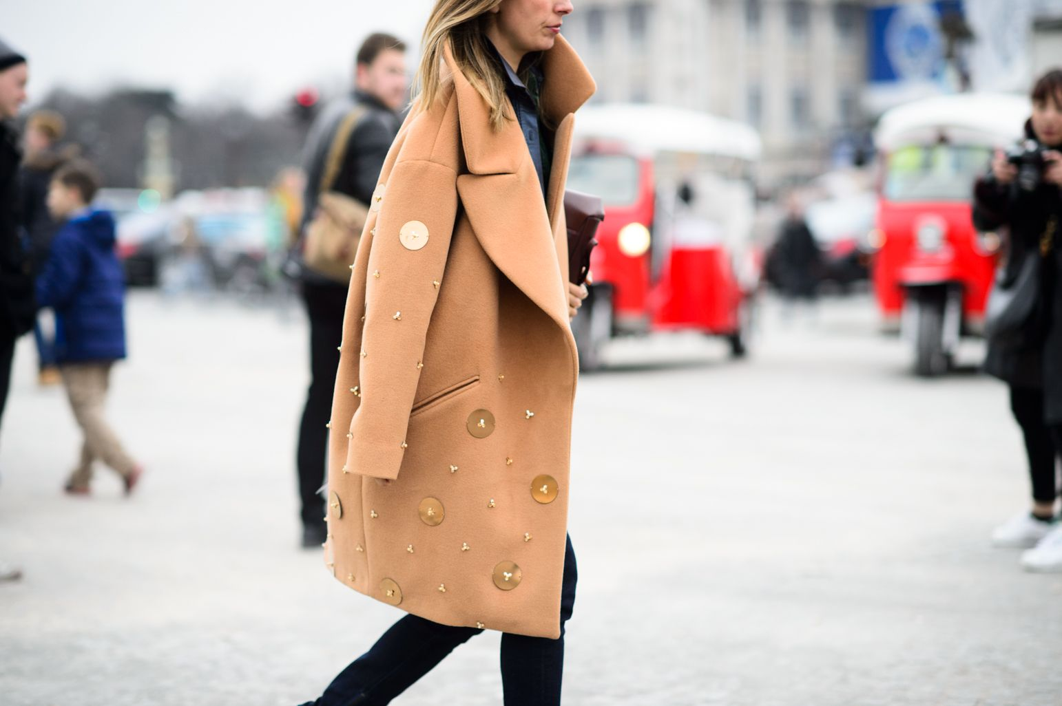 On the Streets of Paris Fashion Week Fall 2015 - Paris Fashion Week Fall 2015 Street Style Day 7-Wmag