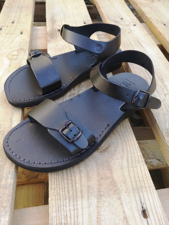 5856acd221d01 Leather Sandals