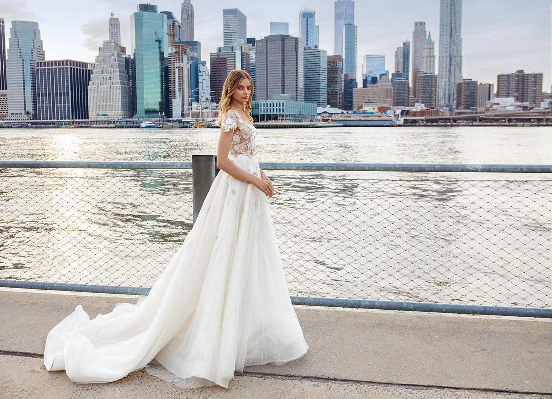 Eva Lendel April Wedding Salon Boginya Wedding Dress Guide Wedding Dresses Bridal Gowns