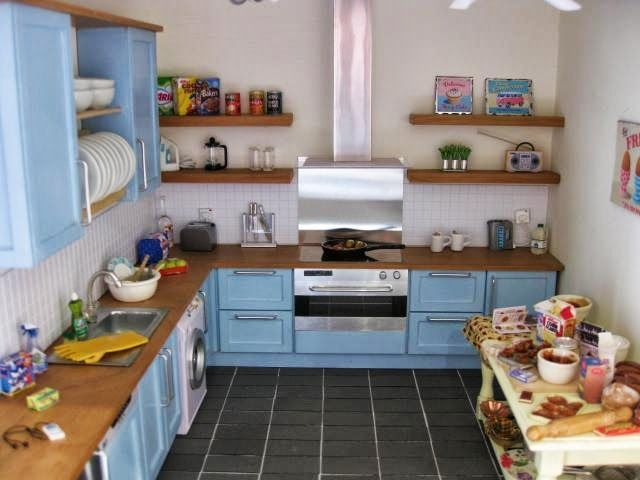 HOME - Elizabeth LePla - Álbumes web de Picasa | Dollhouse kitchens ...