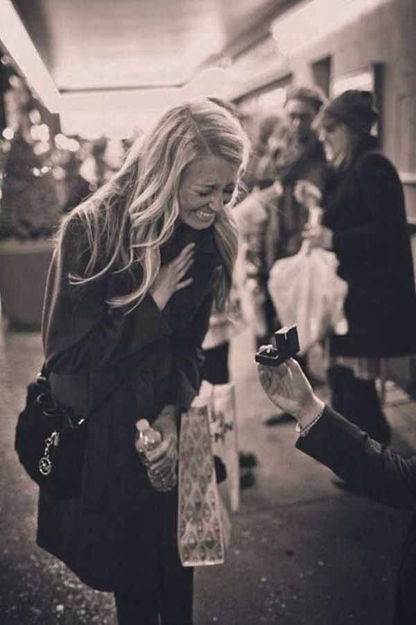 Our favorite proposal photo, like, ever! | http://weddingpartyapp.com/blog/2013/12/03/cool-way-announce-engagement-unique-creative/