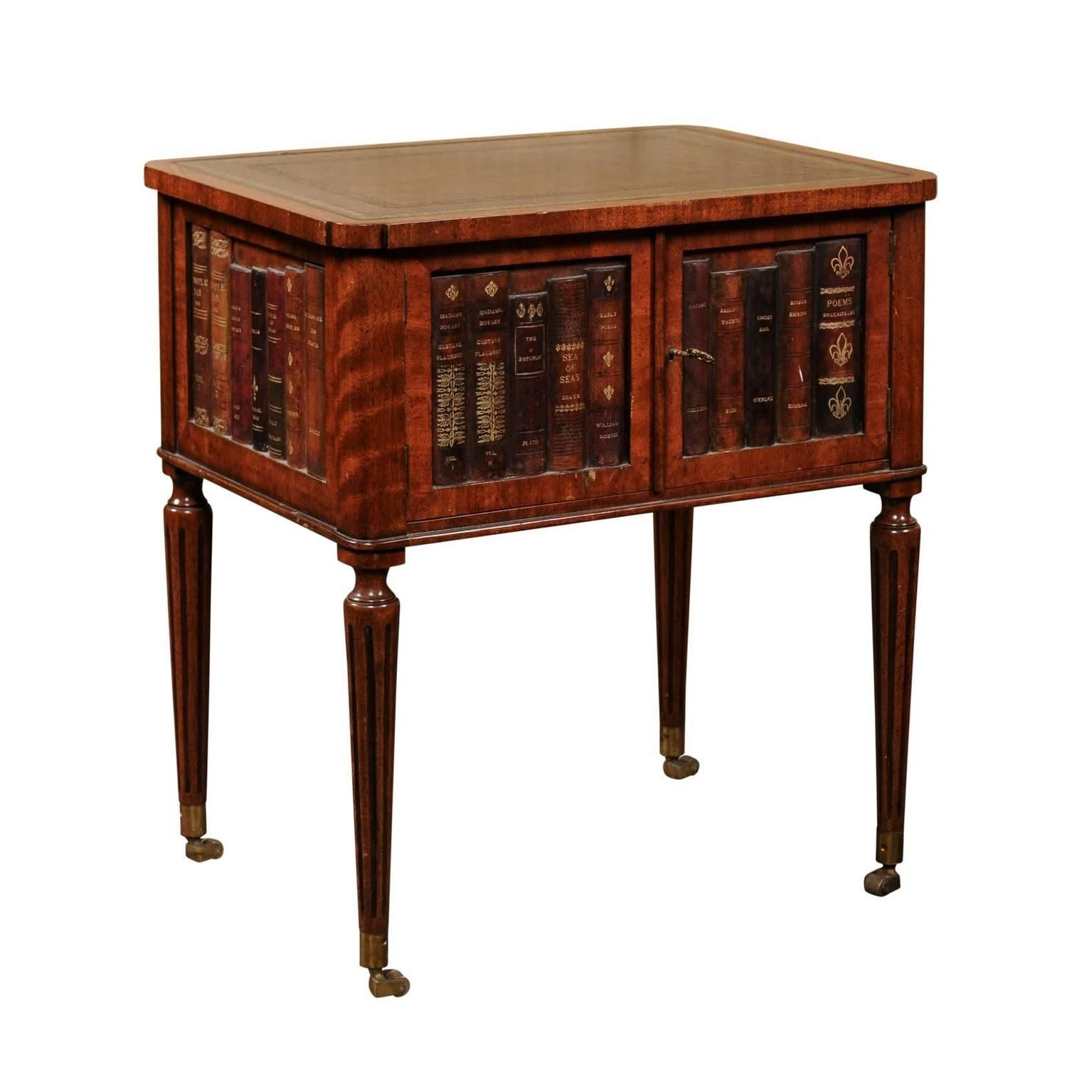English 1920s Mahogany End Table With Leather Top And Faux Leather