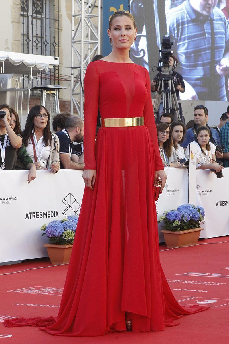 b5cca4640 Elisabeth Reyes con vestido rojo de Iván Campaña