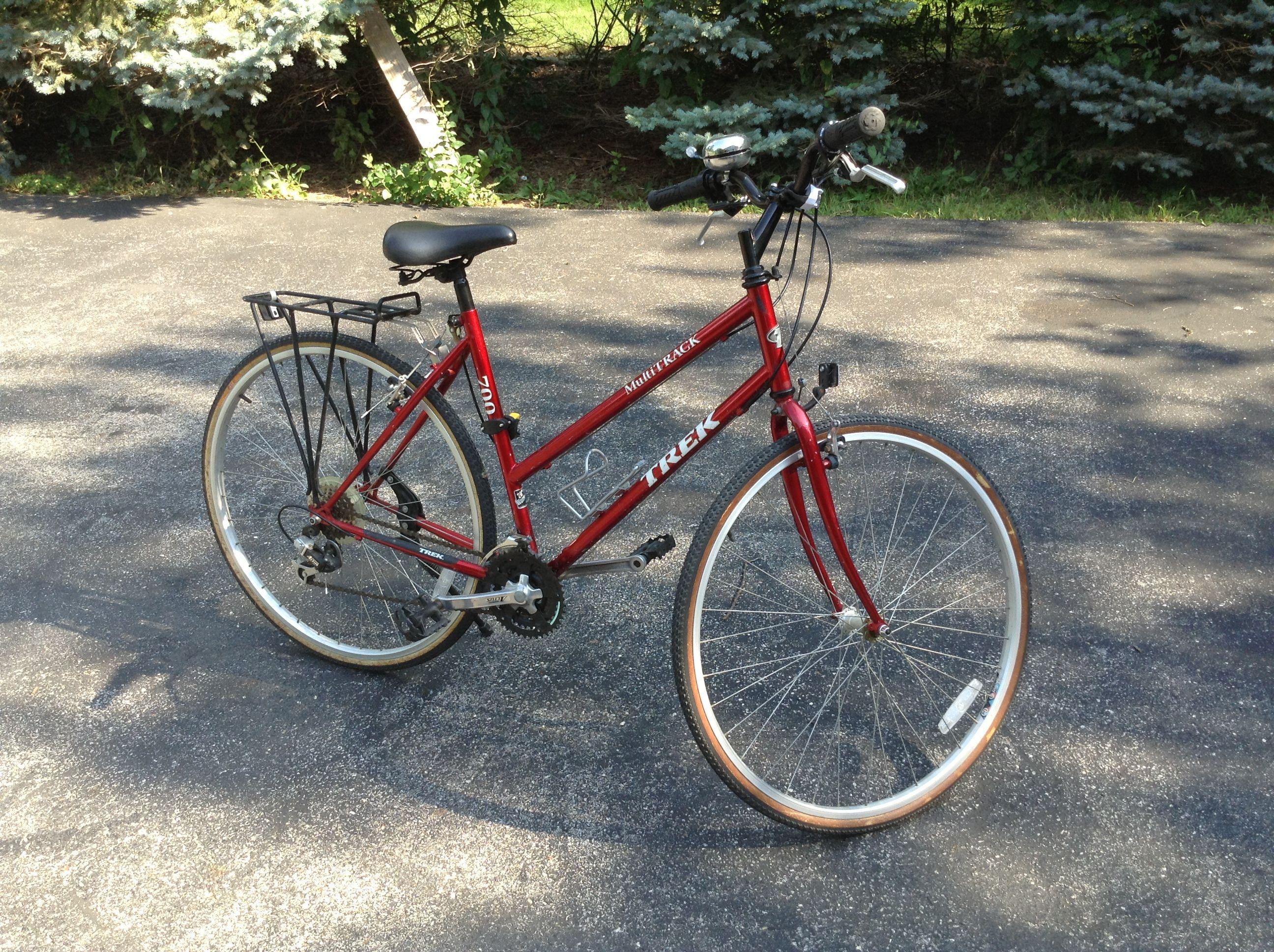 Red Trek Multitrack 700 20 Woman S 10 Speed Hybrid Bike Bell U Lock Water Bottle Holder Rear Wheel Rack Included Price Hybrid Bike Trek Bikes Bike
