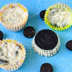 Oreo's and Cheesecake, the perfect combination of awesome! Great individual cupcakes to share with your friends.  #foodgawker