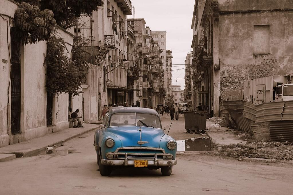 """Mar de tristeza y agonía  """"@pregANDREINA: No es Damasco, no es Beirut, no es Haití ni Kosovo, es La Habana q agoniza """""""