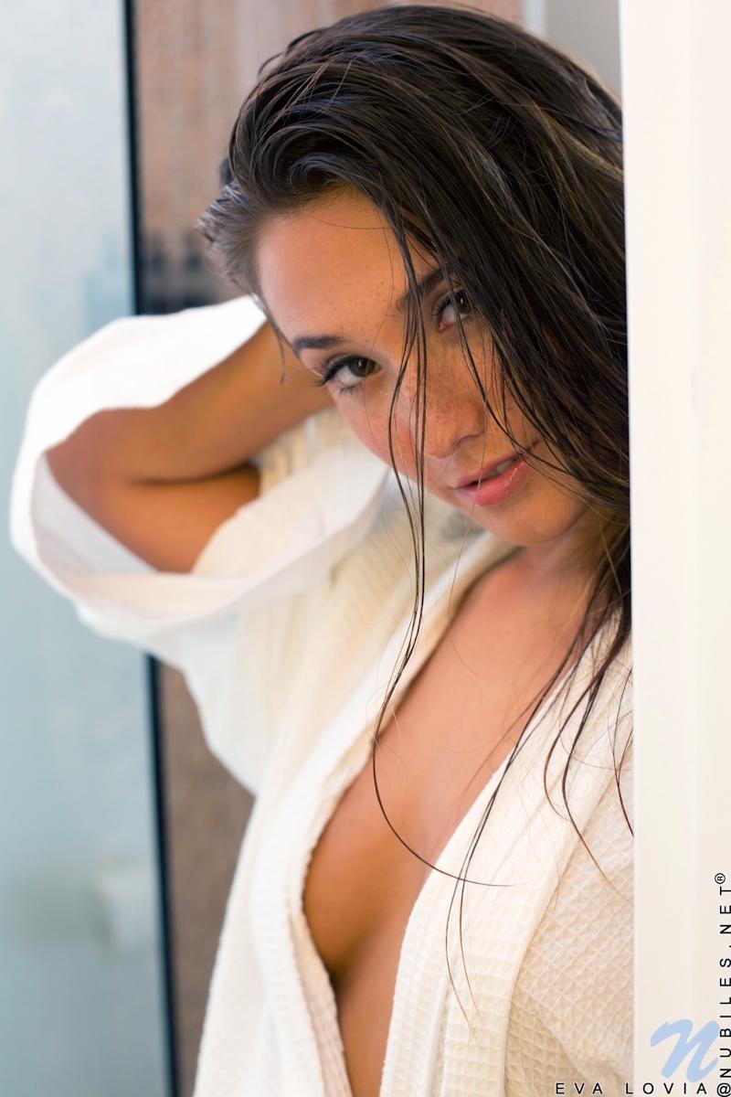 Eva Lovia Pretty Pinterest Selfies Models And Girls