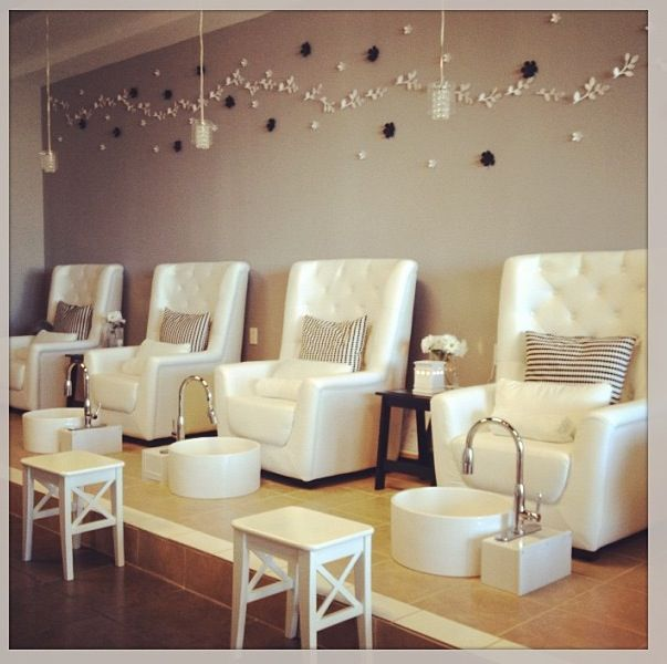Pedicure Stations With Great Chairs Love The Elevated Design The Sparkly Pillows Add A Nice Touch Pedicure Station Salon Interior Design Pedicure Salon