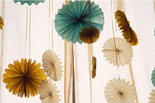 These pinwheels are the perfect color palette for rustic wedding