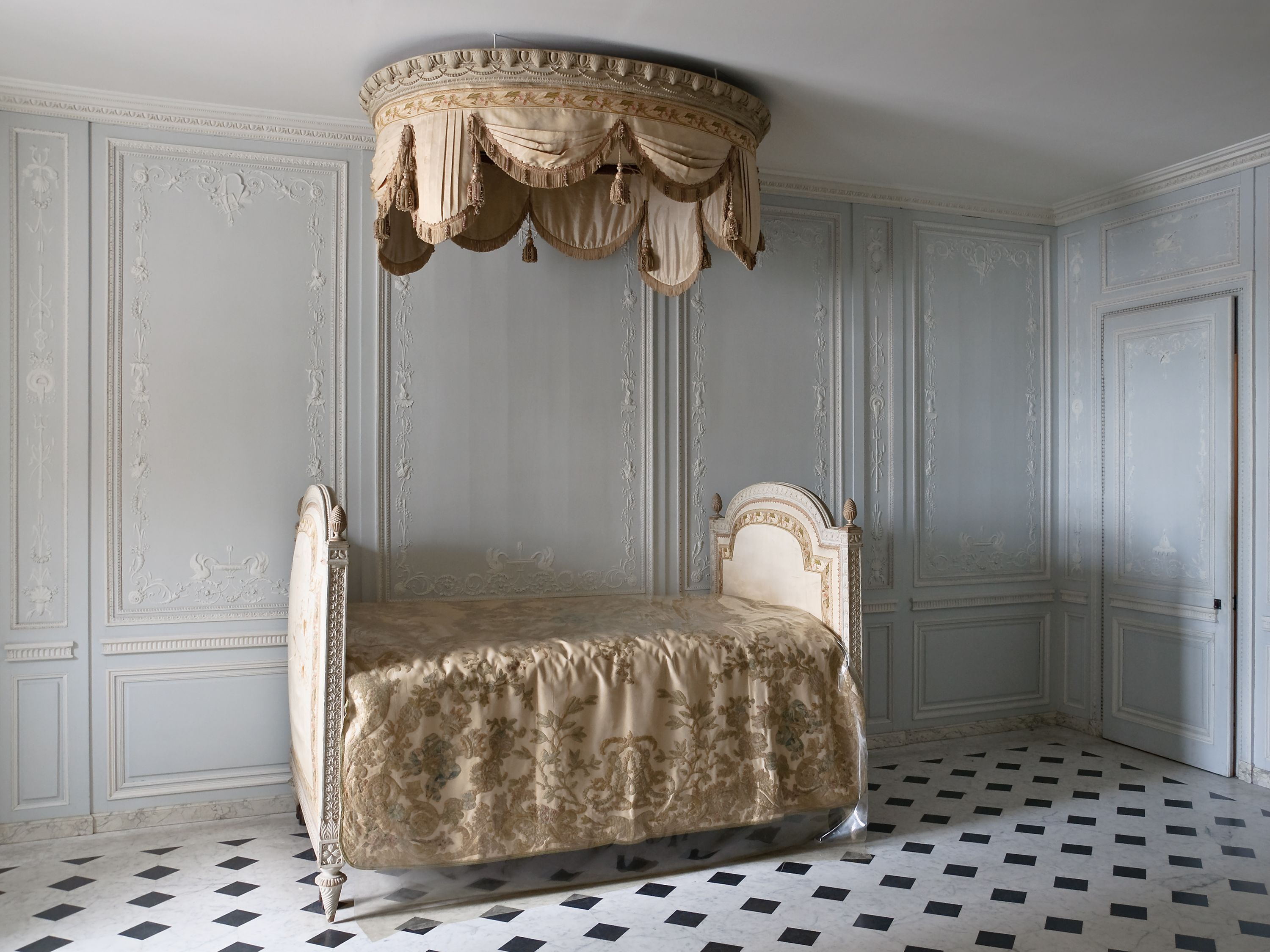 the bathroom of marie-antoinette | versailles, small apartments