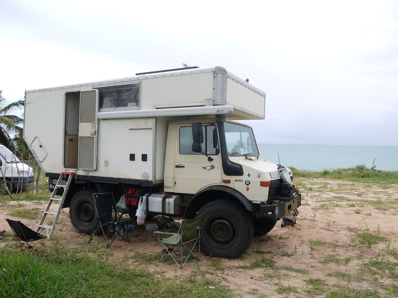 Unimog Camper Look Slike A Box Truck Uhaul Back Shoved On A Unimog And Cut For Departure