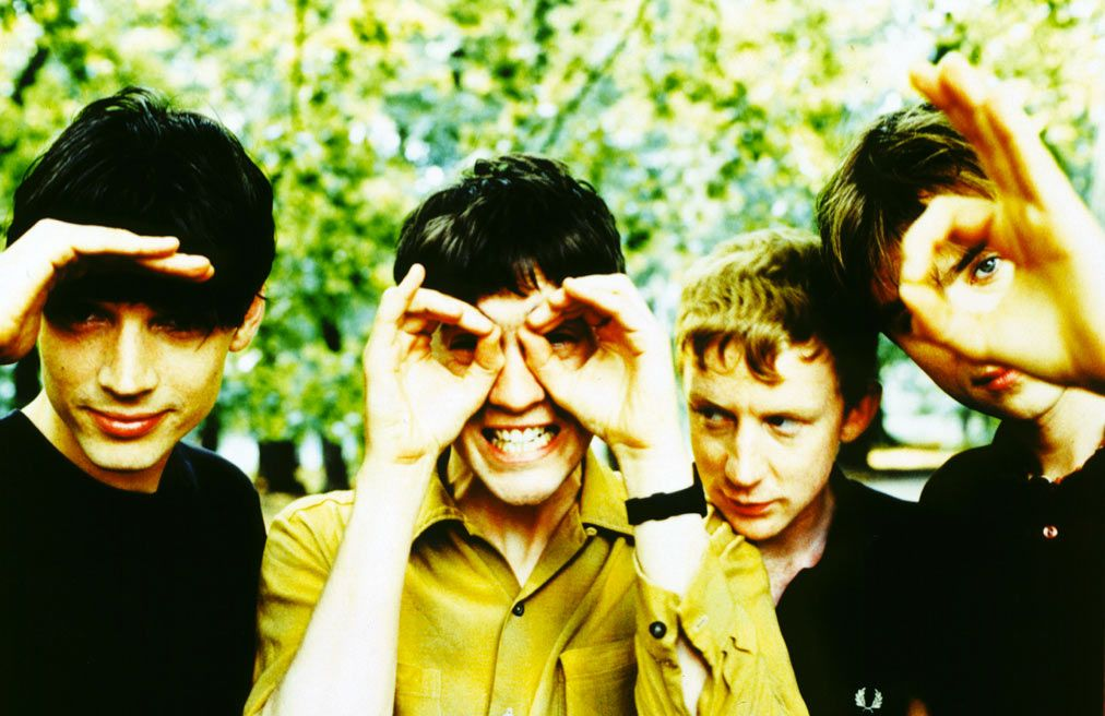 Pin By Leila Chasoba On Music Is My Best Friend Blur Parklife Blur Band Blur Photo