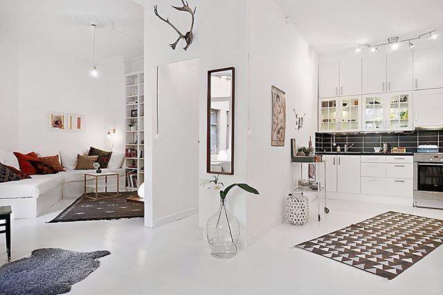 Woonkamer Keuken Kleine : Een open keuken zorgt voor een meer ruimtelijk gevoel in een kleine