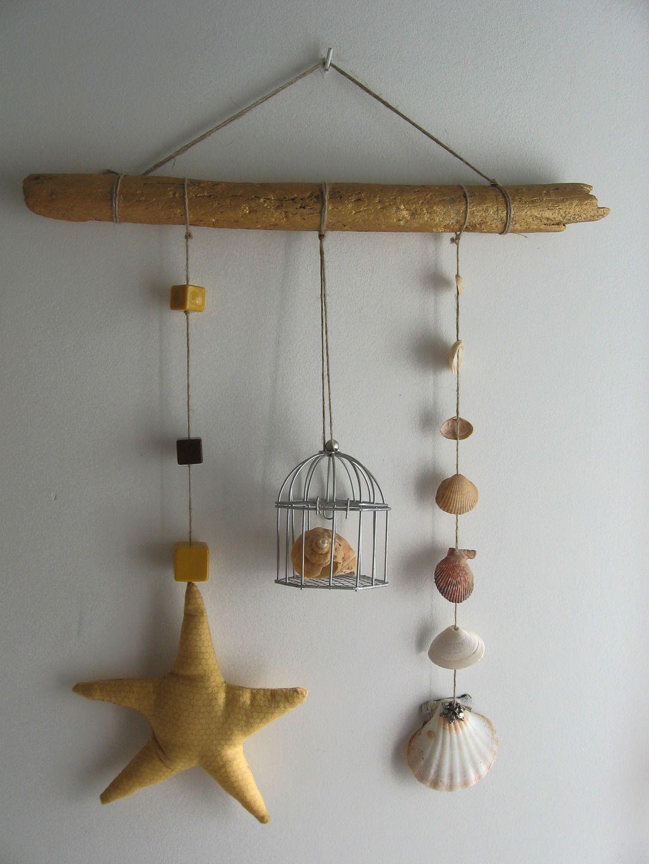 Que Faire Avec Bois Flotté mobile en bois flotté avec corde en lin, coquillages, perles