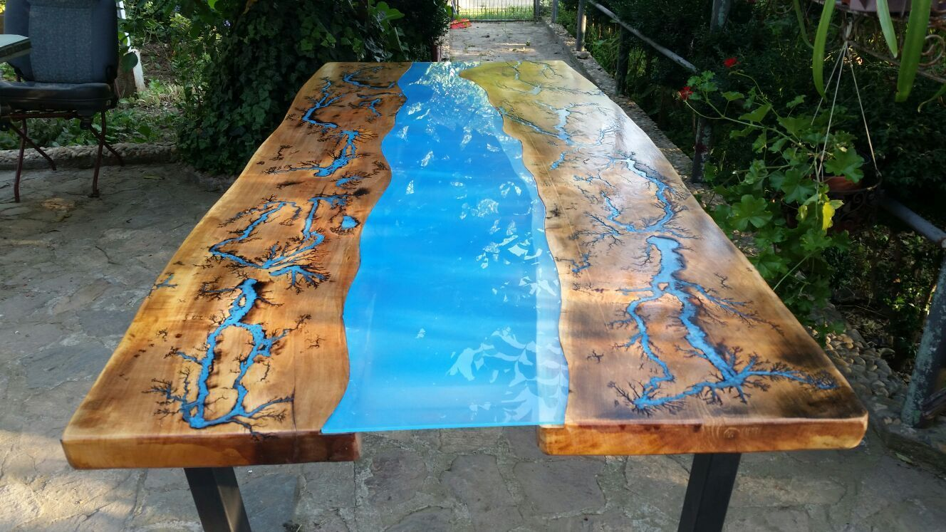 Modern Coffee Table - River Flow table with blue epoxy resin ...