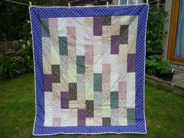 Floral rectangles quilt for single bed from GillyJam
