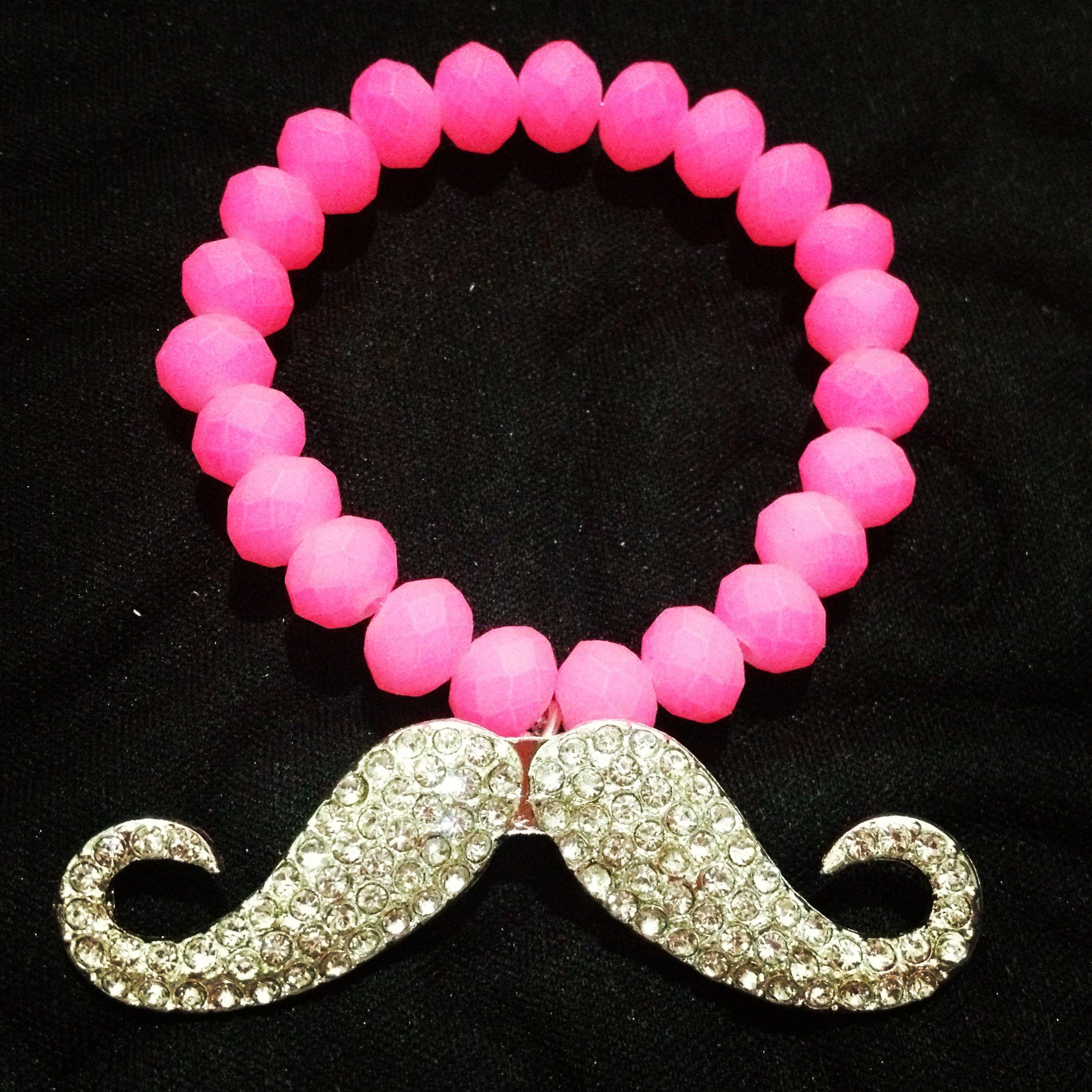 14f72e47a9dc Pulsera en caucho rosa con bigote grande en pedrería de fantasía. A LA  VENTA!