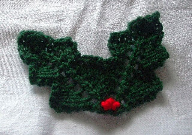 Knitted Holly Leaves Pattern By Lesley Arnold Hopkins Crochet And