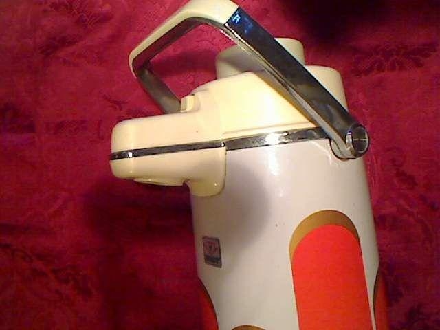 Thermos vintage carillon vendita itinerante oggetti for Vendita arredamento vintage