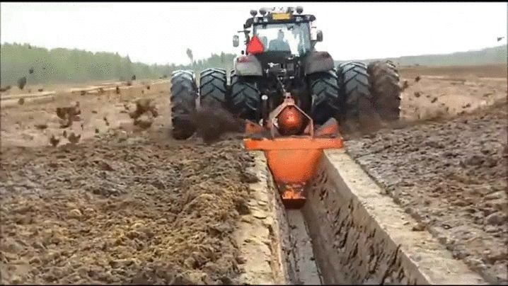 5739cdc8679b08a9e5f4844833ca28f2 - How To Get A Tractor Out Of A Ditch